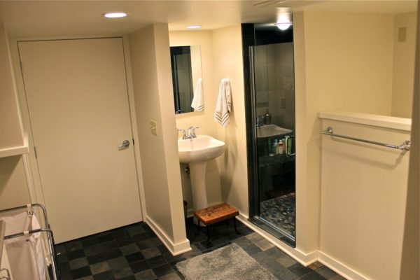 basement-bathroom1